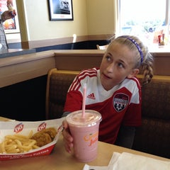 Photo taken at Dairy Queen by Bob M. on 9/13/2014