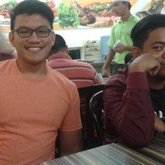Photo taken at Restoran Cina Muslim Mohd Chan Abdullah by Khairul H. on 4/24/2015