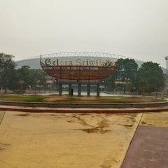 Photo taken at Stadion Gelora Sriwijaya (GSJ) by Budi P. on 10/29/2015