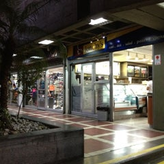 Photo taken at Lonchy's by María Z. on 10/29/2012