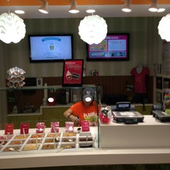 Photo taken at 16 Handles by Kiffa C. on 5/1/2013