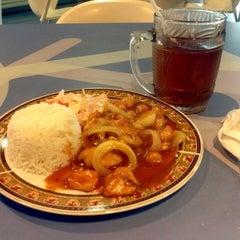 Photo taken at Food Court by Andy P. on 9/14/2014