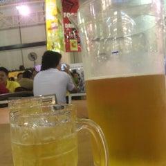 Photo taken at ลานเบียร์ บิ๊กซี ดอนจั่น   Beer Garden at Big C by Saman T. on 5/11/2015