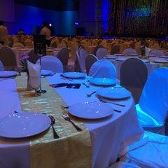 Photo taken at Chiangmai Grandview Hotel by Netinai N. on 12/12/2015