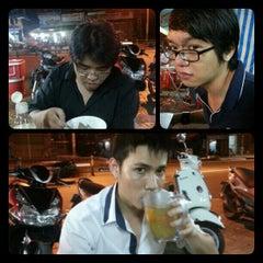 Photo taken at Cháo Thuận Phát by Hennessy A. on 10/23/2012