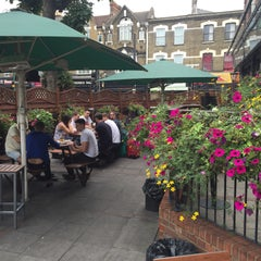 Photo taken at The Walnut Tree (Wetherspoon) by Jay T. on 8/29/2015
