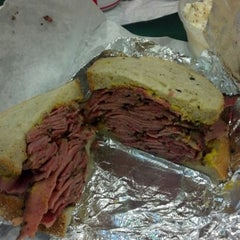 Photo taken at Ben's Best Kosher Delicatessen by Isaiah on 12/11/2012