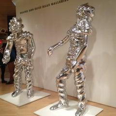 Photo taken at San Francisco Museum of Modern Art by Gustavo M. on 4/6/2013