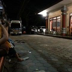 Photo taken at Rumah Makan Sari Asih by Ivander D. on 6/6/2013
