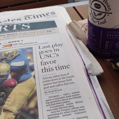 Photo taken at The Coffee Bean & Tea Leaf® by James L. on 10/12/2014