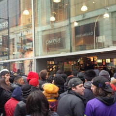 Photo taken at Foot Locker by Mayer T. on 3/16/2013