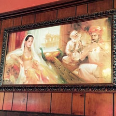 Photo taken at India House Restaurant by Leif E. P. on 10/6/2015