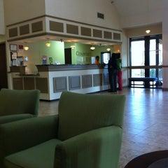 Photo taken at Comfort Suites Chesapeake by Joshua G. on 11/22/2012