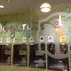 Photo taken at Yogurtland by angela w. on 2/18/2013