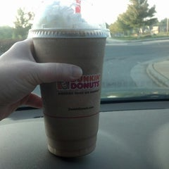 Photo taken at Dunkin' Donuts by Mary H. on 4/30/2013