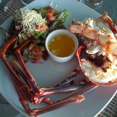 Photo taken at Lobster Alive by Stefanie H. on 11/12/2012