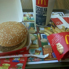 Photo taken at McDonald's by Fernanda R. on 9/29/2012