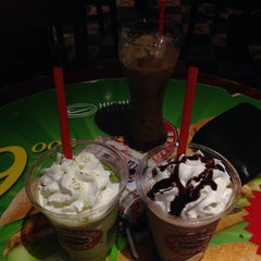Photo taken at Highlands Coffee by Thu V. on 10/30/2014
