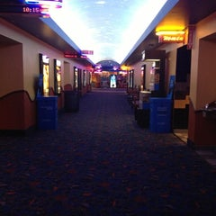 Photo taken at Regal Cinemas Pointe Orlando 20 & IMAX by Hikmet Emre K. on 11/13/2012