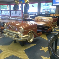 Photo taken at Burger King® by Annie K. on 9/5/2014