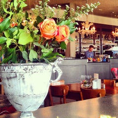 Photo taken at Dinzler Kaffeerösterei by Marjeta P. on 8/16/2013