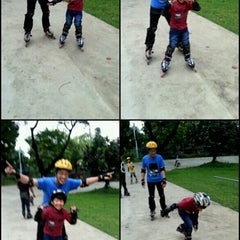 Photo taken at Dunia Inline Skate by Fetty I. on 5/9/2013