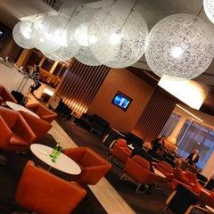 Photo taken at Qantas Business Lounge by Josh R. on 10/11/2012