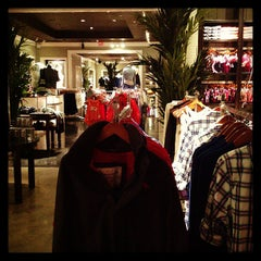 Photo taken at Abercrombie & Fitch by Memo M. on 5/2/2013