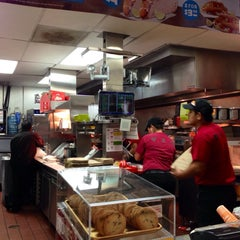 Photo taken at Del Taco by Harvey C. on 2/11/2014