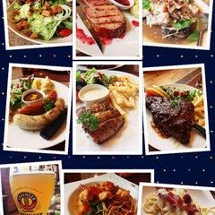 Photo taken at Verde Montana Restaurant (เวอร์เด้ มอนทาน่า เรสเทอรองท์) by Jan P. on 8/3/2013