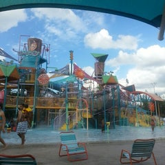 Photo taken at Aquatica Orlando by Reinaldo R. on 9/21/2012