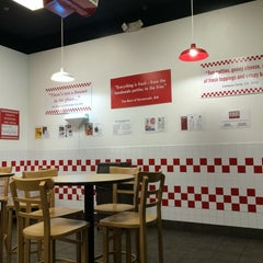 Photo taken at Five Guys by 5amesiya K. on 9/25/2014