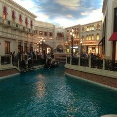 Photo taken at Venetian Resort & Casino by Christ H. on 6/22/2013