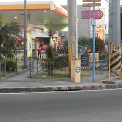 Photo taken at Shell Service Station by Mark Kenneth D. on 12/15/2012