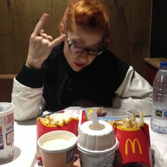 Photo taken at McDonald's by María LaMuy on 4/6/2014