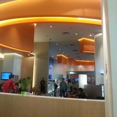 Photo taken at HARRIS Hotel & Conventions Kelapa Gading by Gieun J. on 6/25/2013