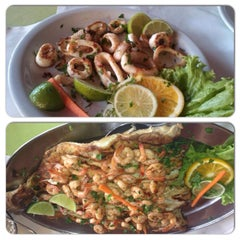 Photo taken at Restaurante Quinha by Ana Paula F. on 11/16/2013