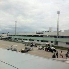 Photo taken at Aeroporto Internacional de Florianópolis / Hercílio Luz (FLN) by Alexandre F. on 1/23/2013