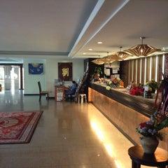 Photo taken at Royal Panerai Hotel by Piya เจี๊ยบ เมืองชล on 5/7/2014