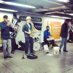 Photo taken at MTA Subway - 14th St/Union Square (L/N/Q/R/4/5/6) by Modesta M. on 11/25/2012