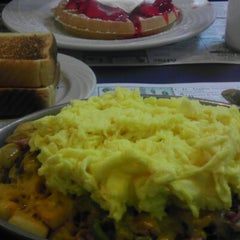 Photo taken at Sophia's House of Pancakes by Eric J. on 12/13/2012