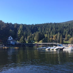Photo taken at Deep Cove Fish & Chips by özge m. on 9/27/2015