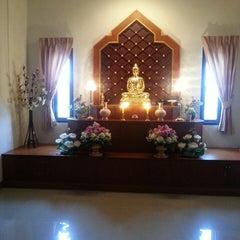 Photo taken at สถาบันพลังจิตตนุภาพ ๙ บ้านบรรณรุจิ by JJ B. on 9/8/2013