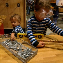 Photo taken at KidsQuest Children's Museum by Beverly, Lewis, & Edward on 10/16/2015