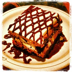 Photo taken at Carrabba's Italian Grill by Tom B. on 5/17/2013