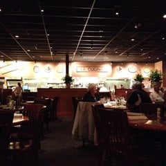 Photo taken at Carrabba's Italian Grill by Tom B. on 1/12/2013