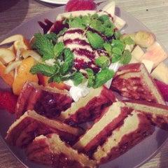 Photo taken at Khaki Cafe Bar by うー ち. on 8/13/2014