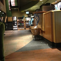 Photo taken at Starbucks by Jose Luis C. on 1/28/2013