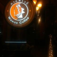 Photo taken at Wawee Coffee (กาแฟวาวี) by Tanakit Y. on 12/19/2012