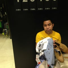 Photo taken at Zara by Don R. on 7/12/2013